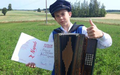 Kacper Jankowski z Rakówka laureatem 53 Ogólnopolskiego Festiwalu Kapel i Śpiewaków Ludowych w Kazimierzu nad Wisłą